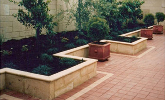 500 x 245 x 150mm diamond cut landscaping blocks